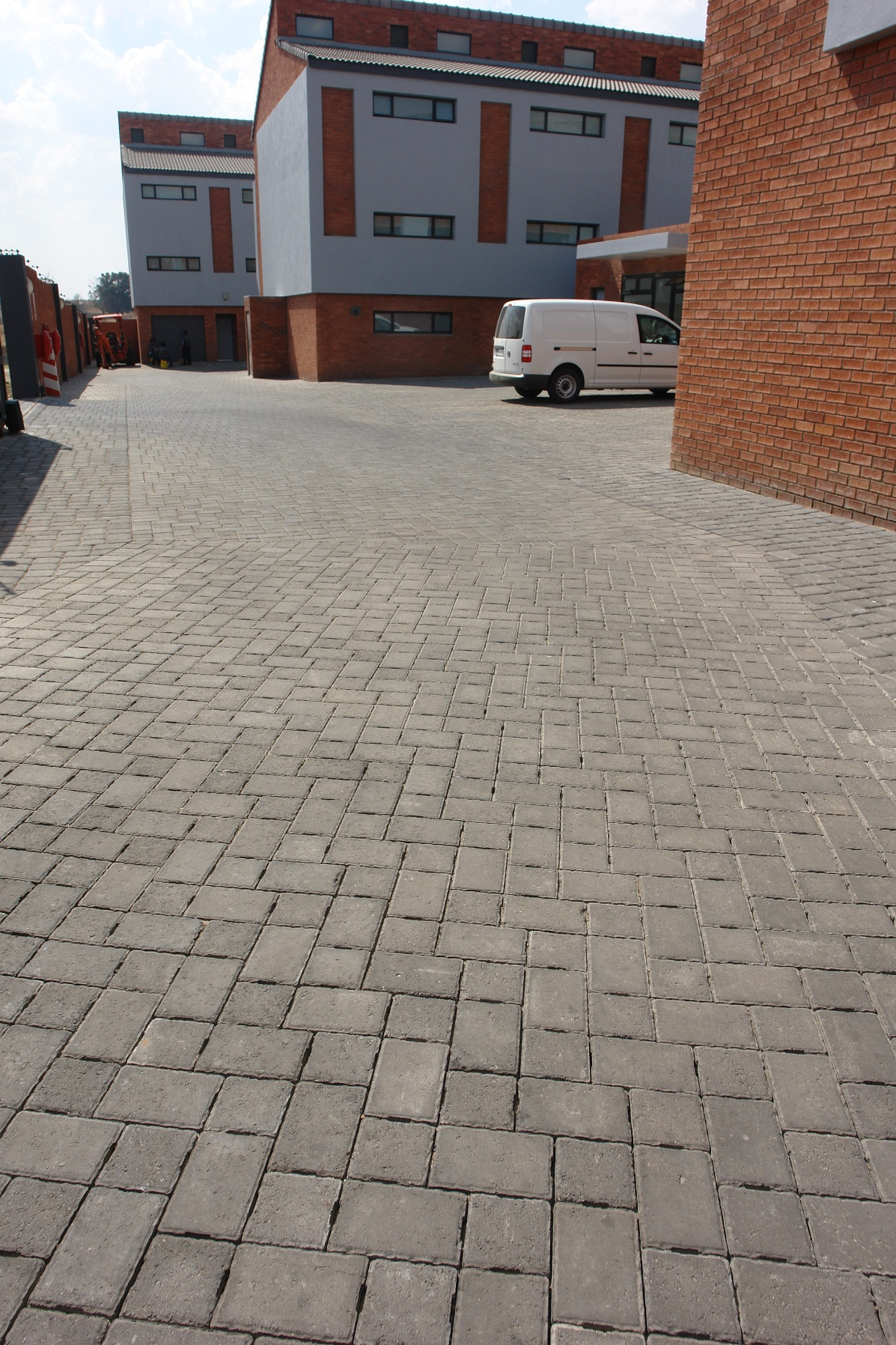 SUCCESSFUL STORMWATER MANAGEMENT WITH PERMEABLE PAVING