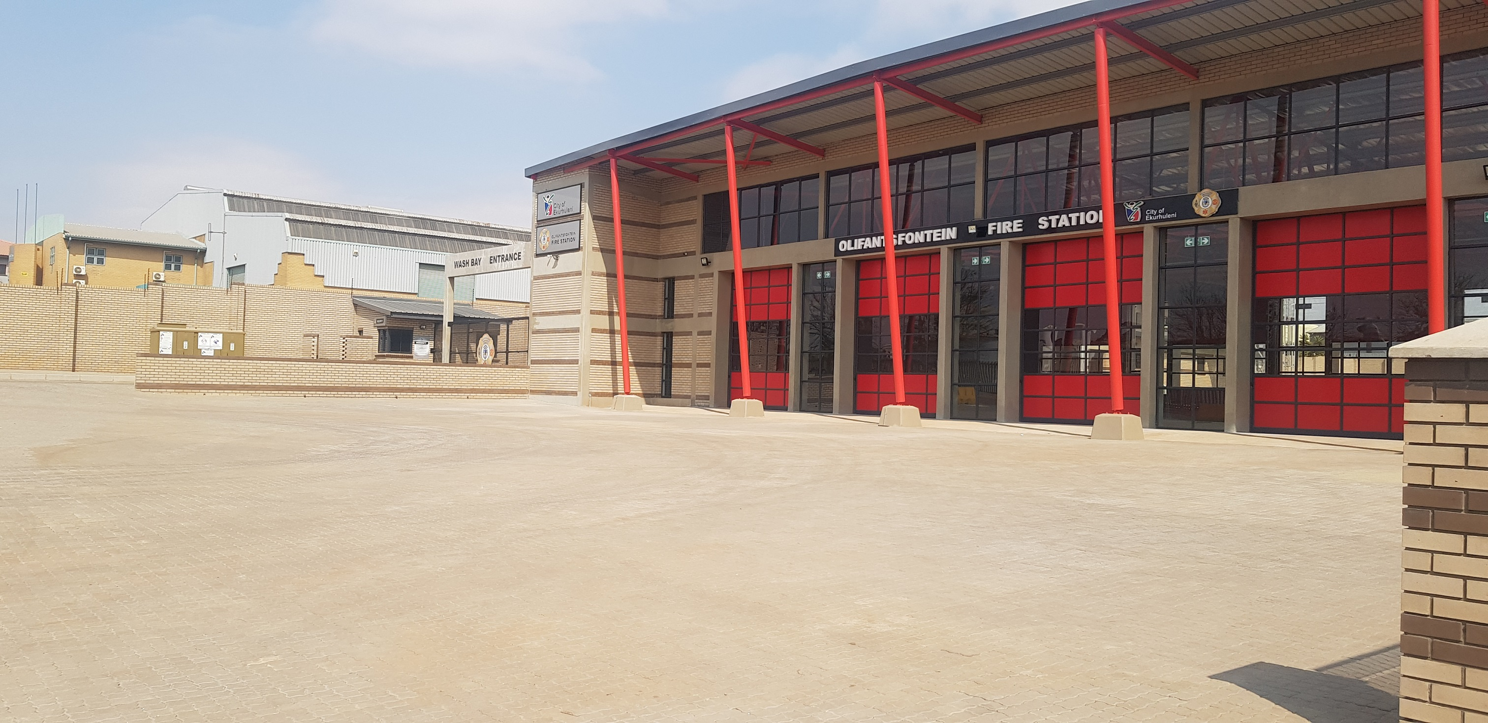 TECHNICRETE PAVERS AND KERBS ADD FLARE TO NEW OLIFANTSFONTEIN FIRE STATION