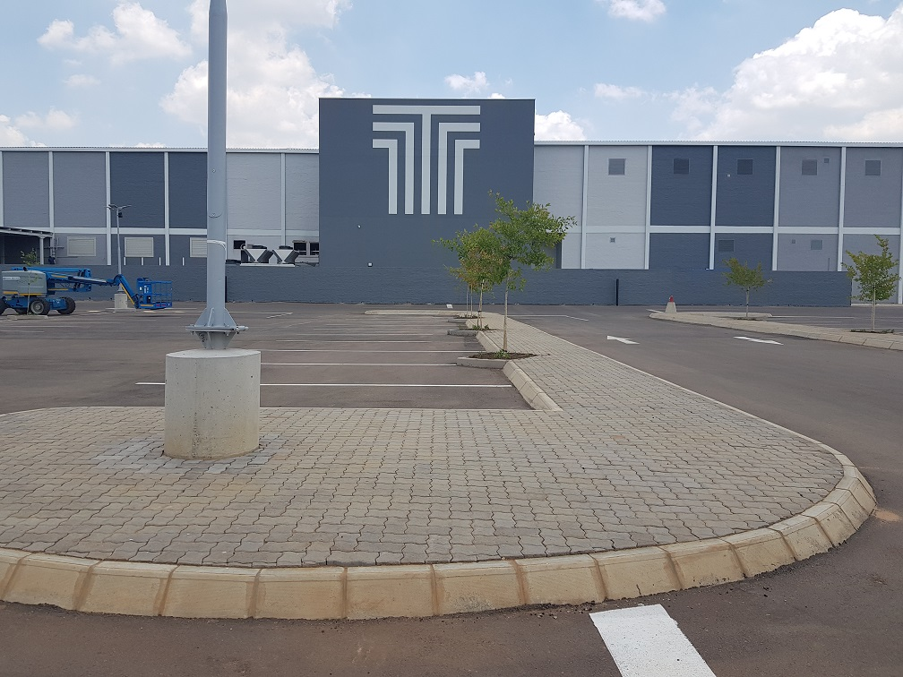 PAVING AND KERBING UP THE MALL OF THEMBISA
